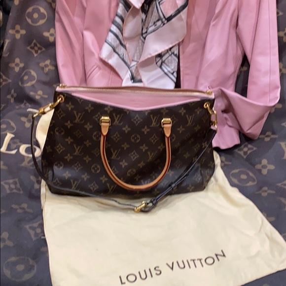 Louis Vuitton Pallas in Pink